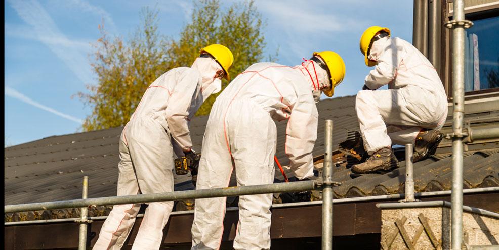 Hoe verwijder je asbest? Laat het over aan deskundigen.